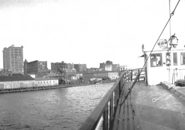 steamer-wilmington-on-upper-deck